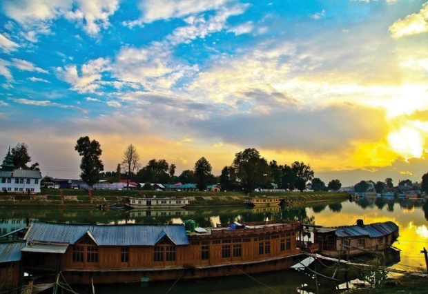 A beautiful sunset view of the river Jhelum